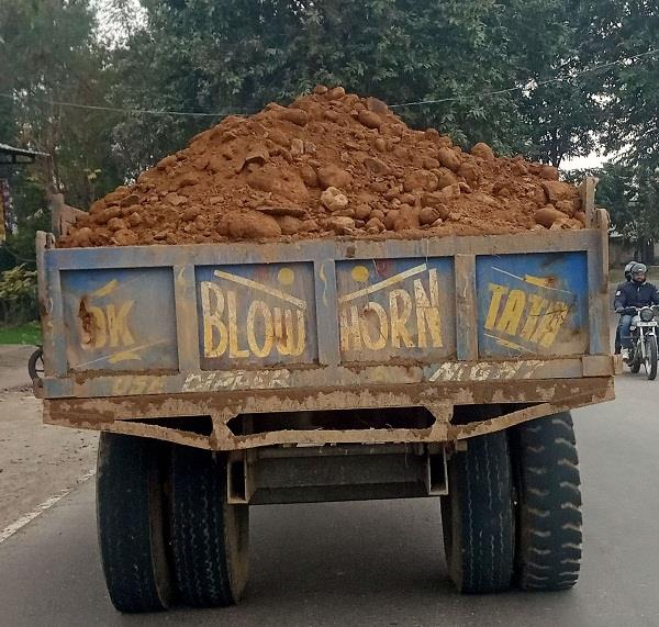 overloaded tractor trolleys are causing accidents