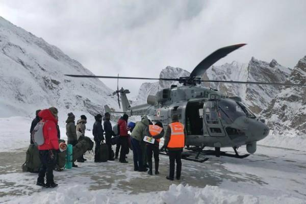 air force rescues 107 people trapped in ladakh during chadar trek