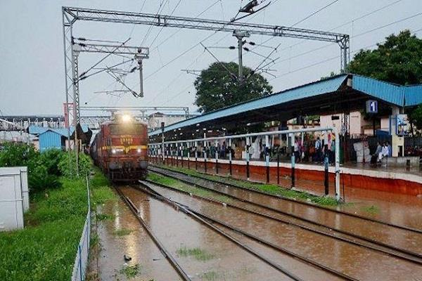 railway has more than 500 trains of cancell