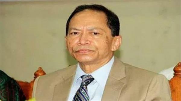 arrest warrant against bangladesh s first hindu cj