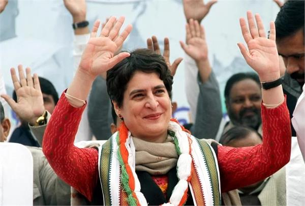 priyanka gandhi to do  mass democracy  in varanasi on 10 january