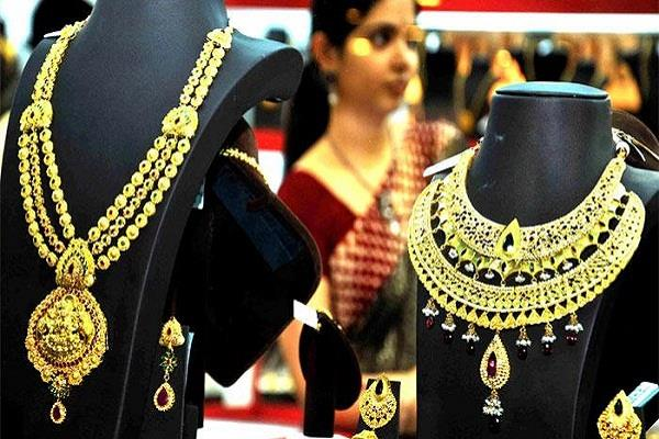 indians consider gold to be the strongest partner of the crisis