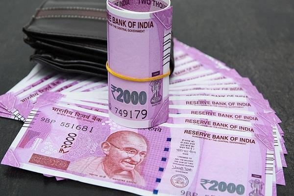 rupee strengthened by seven paise in early trade