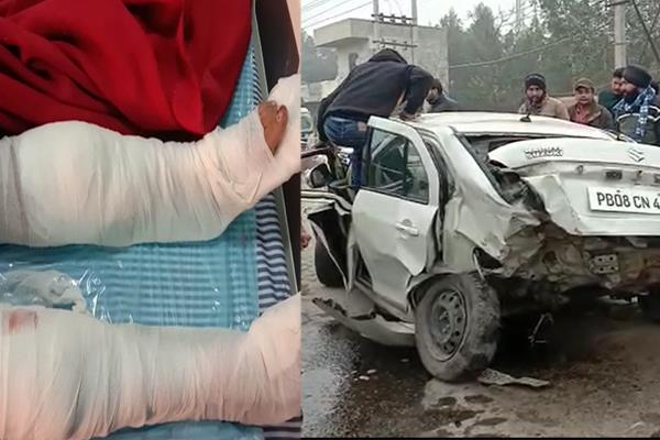 cars crashed in road accident broken legs of girl