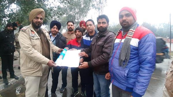 protest against captain amarinder singh