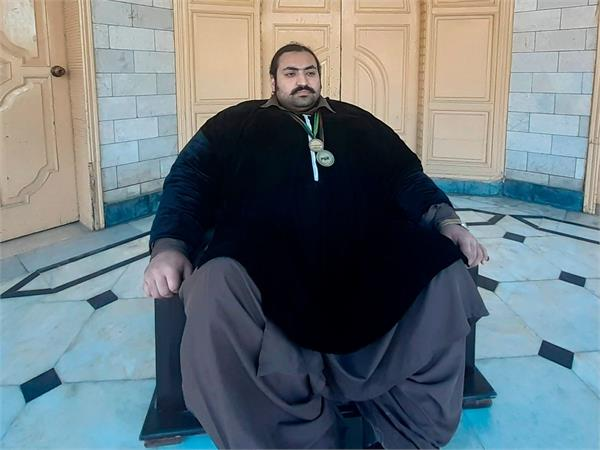 pakistani hulk is looking for a heavyweight wife