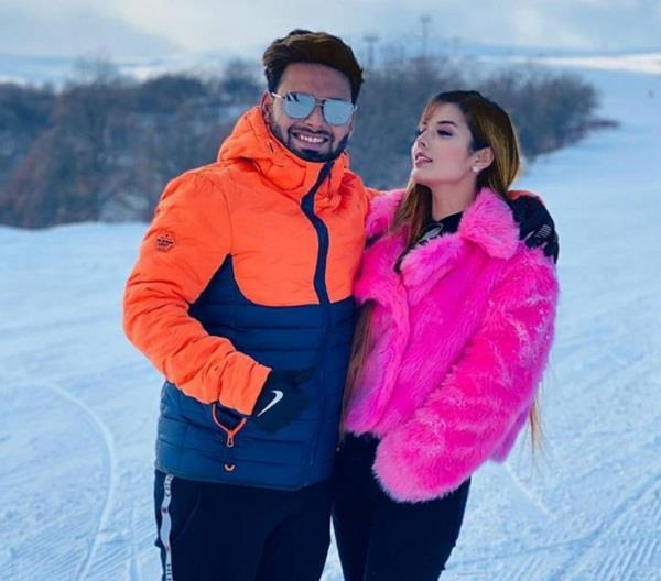 rishabh pant girlfriend photo, isha negi photos, rishabh pant photo
