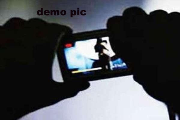 female dancer blackmails by making videos of her partner