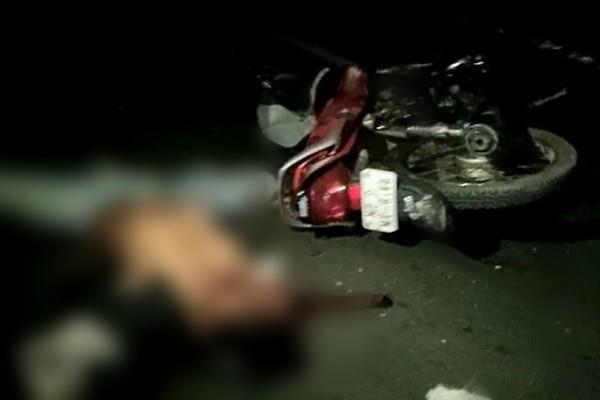 horrific road accident high speed vehicle collided bike 3 youth died on spot