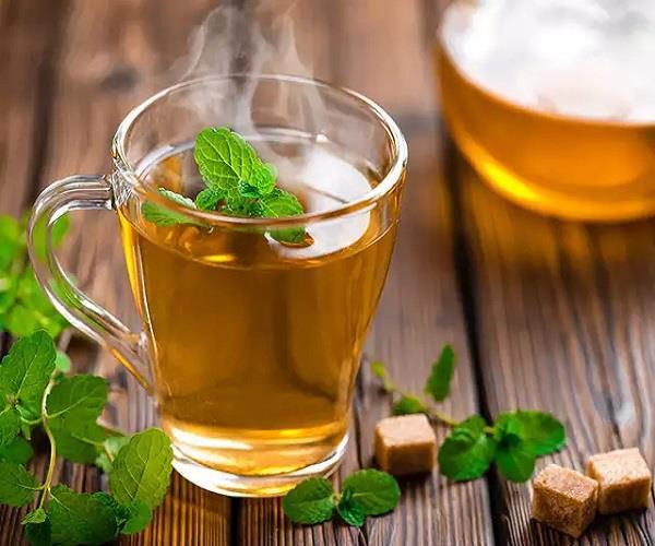 Women Care: तनाव दूर करने में किसी वरदान से कम नहीं तुलसी की चाय