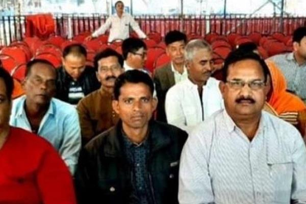pm modi will honor mp farmer santosh yadav in karnataka