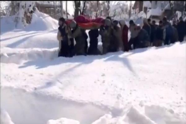 100 army soldiers rushed pregnant woman to hospital amidst heavy snow