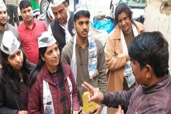 delhi assembly election 2020 family engaged in kejriwal campaign