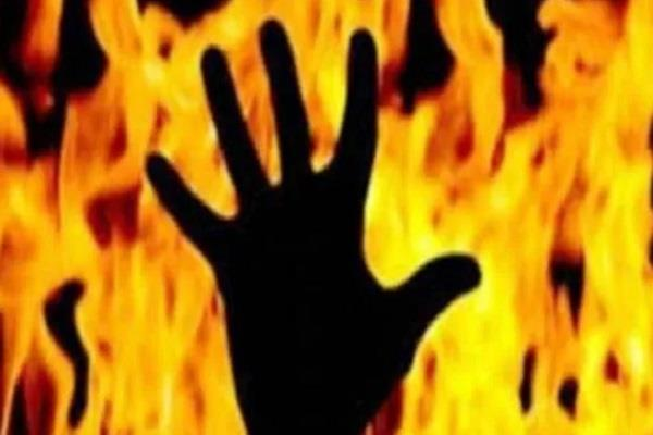 controversy between two parties 4 members of family burnt alive by petrol
