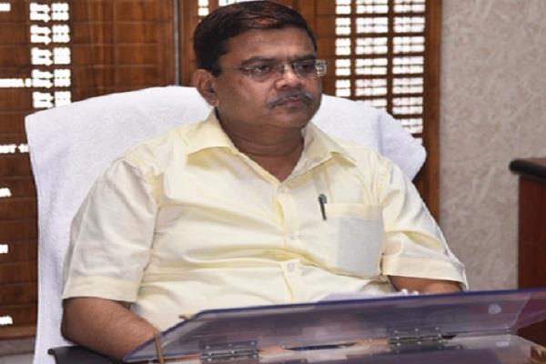 shivraj singh told comment on collector s caa unforgivable