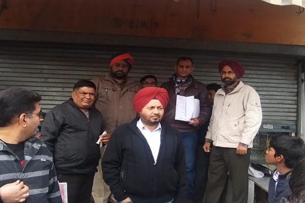 6 shops sealed around kishanpura chowk