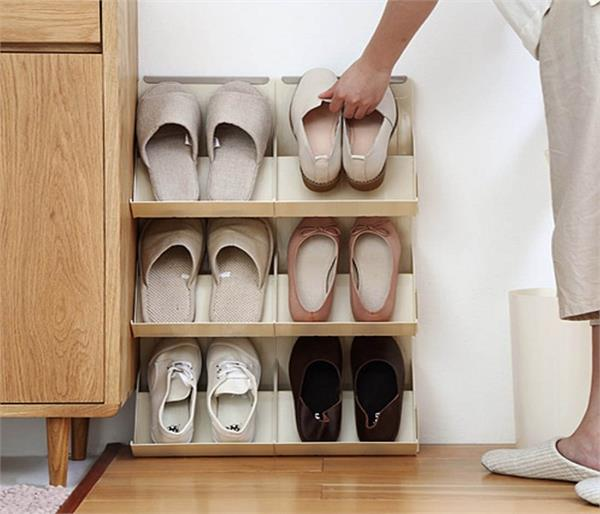 सुखी वैवाहिक जीवन के लिए बदल डालें Shoe रैक की दिशा