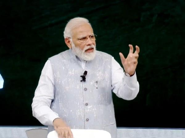 pm modi opens secret on the day of chandrayaan 2