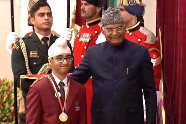 student omkar singh honored with bal shakti puraskar