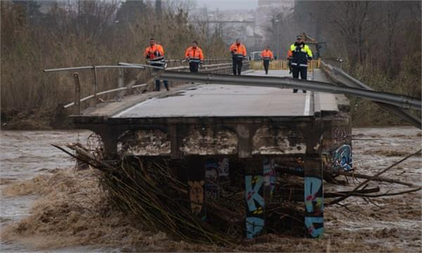 nine dead and four missing as storm gloria batters spain
