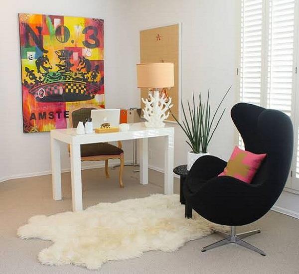 घर को अलग लुक देंगे Chairs के ये एंटीक डिजाइन