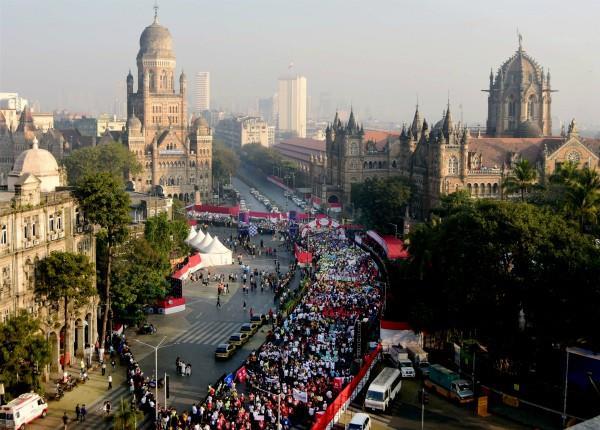 mumbai marathon 2020 7 people suffered heart attack 1 dead