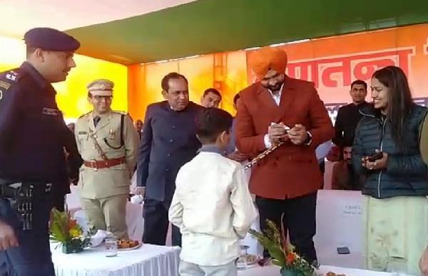 2000 children did surya namaskar together in charkhi dadri