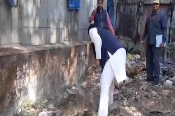 filth ware house indore min tomar start clean shovel it our duty keep clean