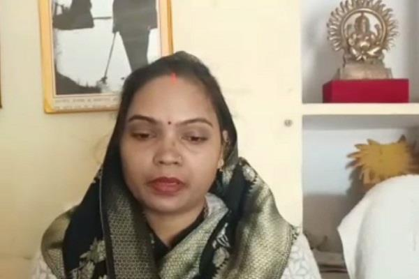 bjp mla anita kamal accuses jahangirganj police station officer serious