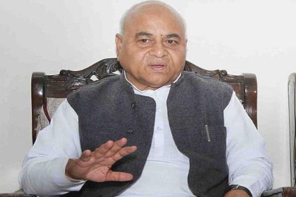 kamal nath minister praises  liquor