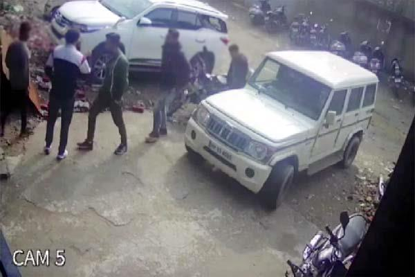 10 lakh ransom demanded from industrialist at gunpoint