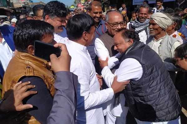 laxman singh met digvijay in this fashion