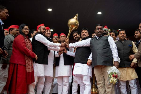former president of hindu yuva vahini sunil singh joined the sp