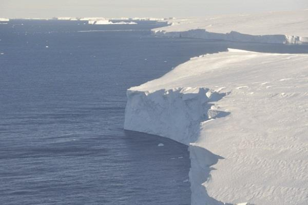 scientists drill into antarctica s  doomsday  thwaites glacier