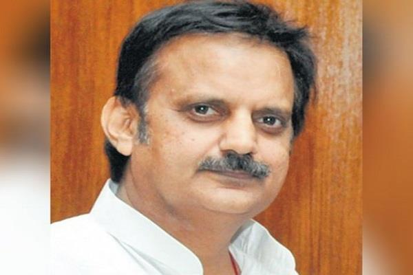 defamation notice handed over to former minister rajendra shukla by rs 5 crore