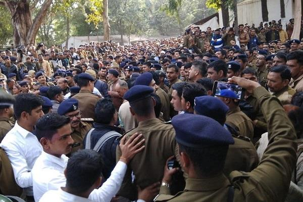 homeguards protest about regular jobs and salary