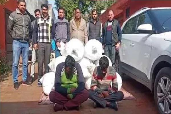 two drug traffickers with one hundred thirty five kg chura post