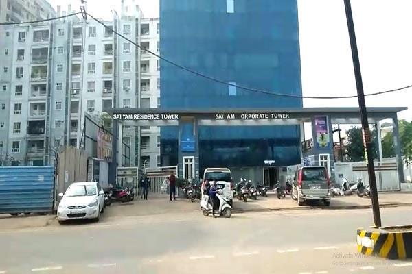 tragic death an old man multi storey building satyam tower gwalior