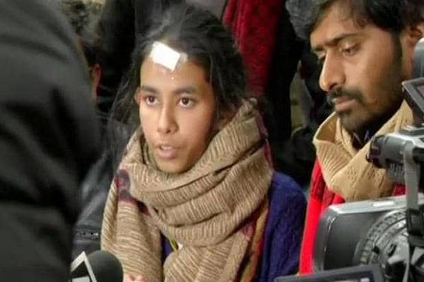 jnu violence delhi police interrogates three students including aishi ghosh