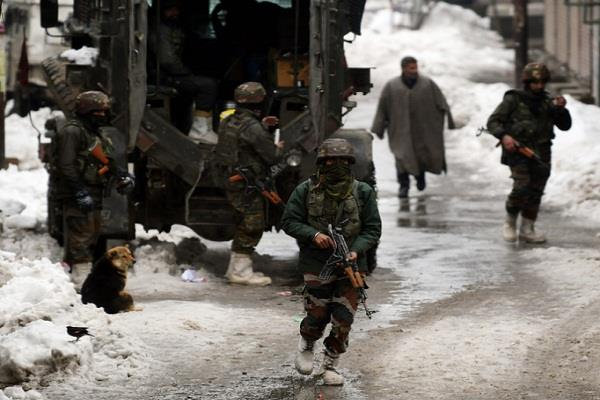 army soldier could not reach his own marriage to snowfall