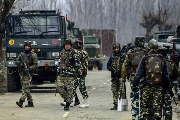 arrested for supporting lashkar terrorists in pulwama