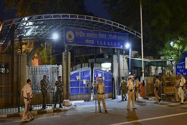 nirbhaya case delhi court s notice to tihar jail pawan executioner summoned