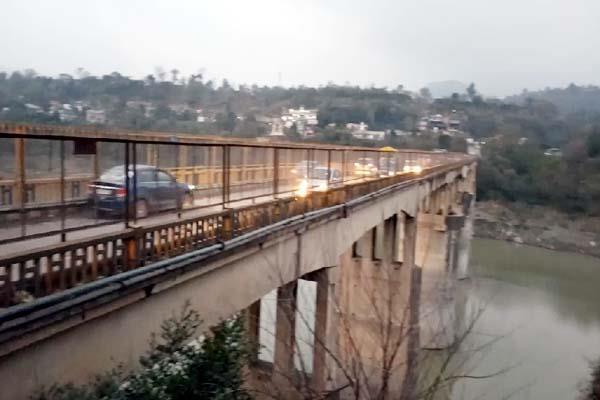 kandror bridge in bad condition