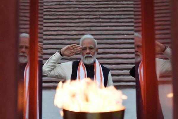 republic day pm modi pay tribute at war memorial instead of india gate