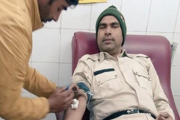crpf jawans came forward to save the life of a kashmiri newborn