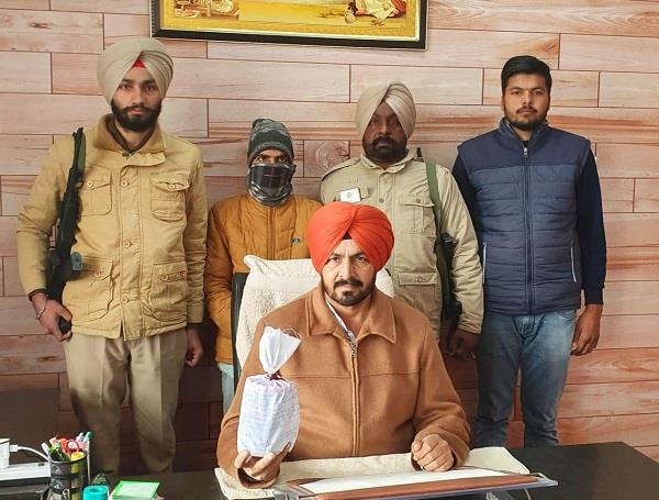 drug smuggler arrested on bail from jail arrested with 1 crore heroin