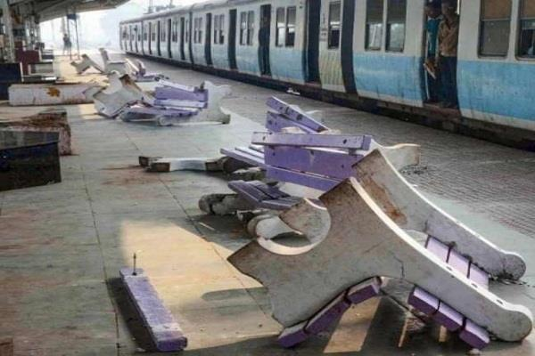 railway claims 84 crore loss due to anti caa movement in bengal