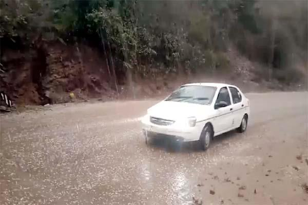 heavy rain and hailstorm in bilaspur