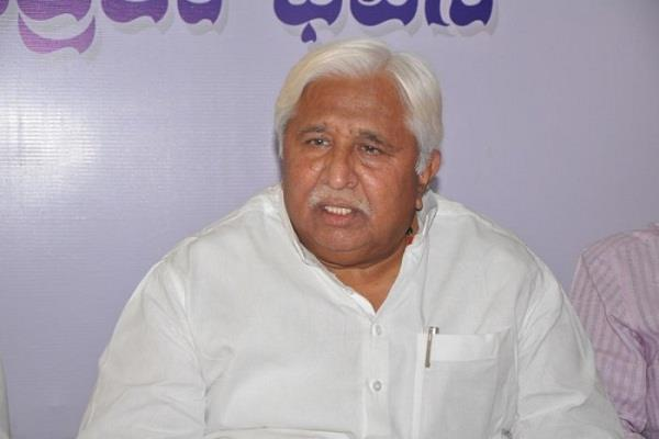 congress leader claims bjp high command wants to ruin yeddyurappa s career