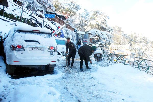 764 roads including 4 nh closed due to snowfall in himachal